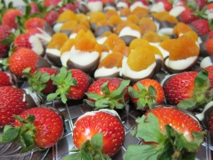 chocolate-dipped strawberries and apricots